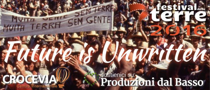 banner-crowd-future