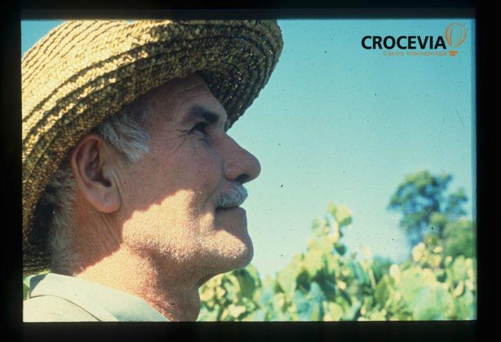 """Il contadino invisibile: """"La terra a chi fa i figli"""""""
